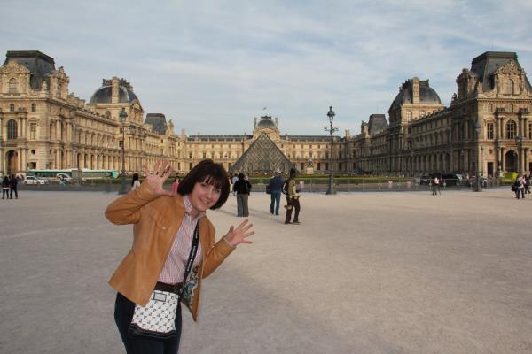 Прикрепленное изображение: Лувр.JPG